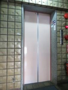 六義園サマリヤマンション エレベーター