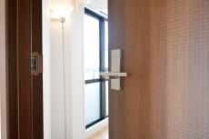 インペリアル赤坂フォラム 7.1帖洋室ドア