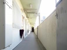 目黒グリーンコープ 共用廊下