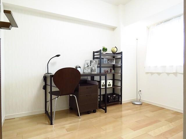 柿の木坂パレス 洋室約4.3帖
