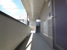 ビリジアン学芸大学 共用廊下