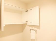 ウエスト経堂マンション トイレ収納