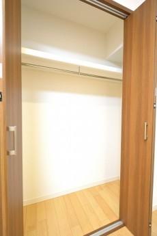 アルテール新宿 4.8帖洋室のクローゼット
