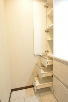 第2桜新町ヒミコマンション 洗面台キャビネット