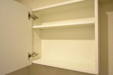 第2桜新町ヒミコマンション トイレ吊戸棚