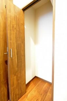 第2桜新町ヒミコマンション 廊下収納