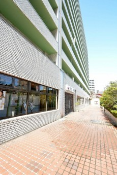 アルテール新宿 1階店舗