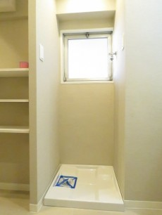第一フォンタナ駒沢 洗濯機置場