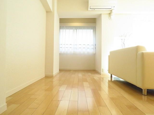 シャトー赤坂 洋室約7.7帖