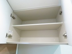 玉川スカイハイツ 洗濯機置場上の棚