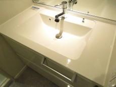 秀和第二神宮レジデンス 洗面化粧台