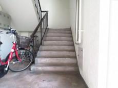 学芸大ゴールデンハイツ 階段