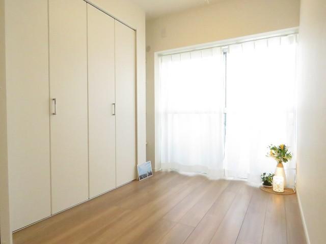 ライオンズマンション北新宿 洋室