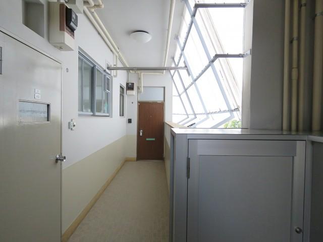 学芸コーポ 共用廊下