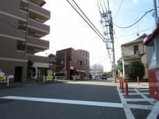 コスモ目黒パルティエ エントランス前道路
