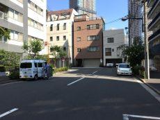 秀和新川レジデンス 前面道路