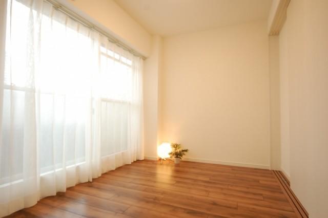 秀和桜丘レジデンス709 洋室