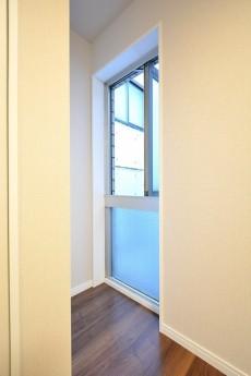 マグノリア 4.5帖洋室窓