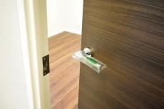 マグノリア 4.5帖洋室ドア