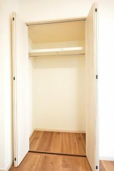 クレッセント目黒Ⅱ 5.0帖洋室クローゼット