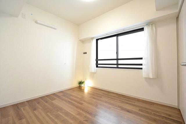 クレッセント目黒Ⅱ 4.6帖洋室