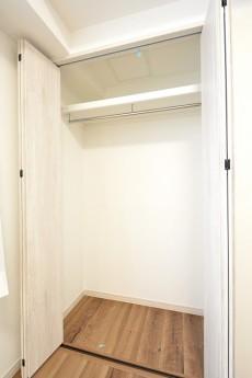 クレッセント目黒Ⅱ 4.6帖洋室クローゼット
