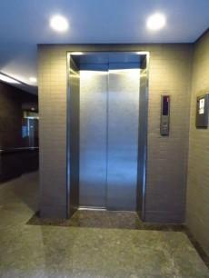 コスモ中目黒 エレベーター