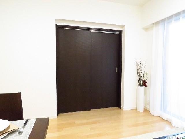 コスモ中目黒 洋室扉