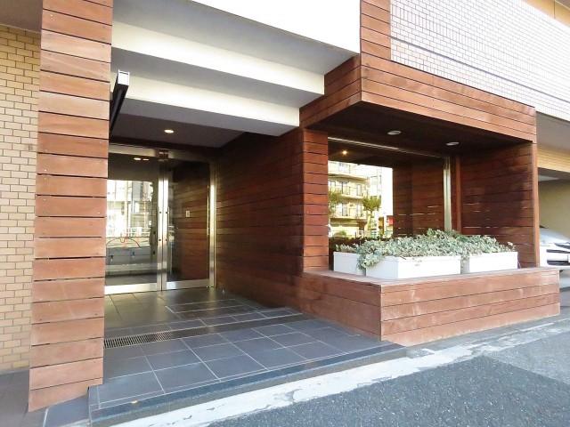 ユニーブル柿の木坂 エントランス