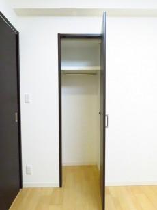 朝日広尾マンション 洋室約4.2帖