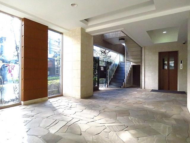 マートルコート恵比寿南Ⅱ エントランスホール