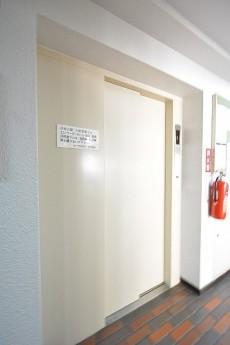 カーサ神宮前 エレベーター