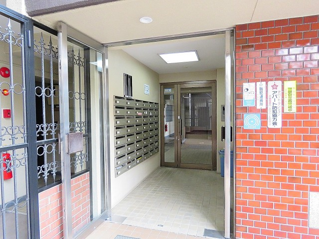 日商岩井第1玉川台マンション エントランスホール