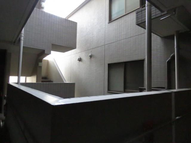 上野毛南パークホームズ 共用廊下