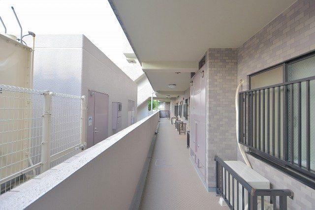 アルカサル世田谷上町外廊下