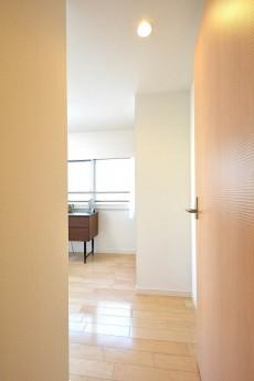 南青山ロータリーマンション 5.0帖洋室ドア