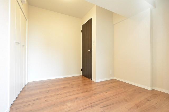 第18宮庭マンション 4.3帖洋室