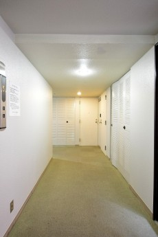 赤坂キャステール 共用廊下
