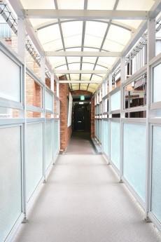 ニューウェルハイツ高輪 渡り廊下