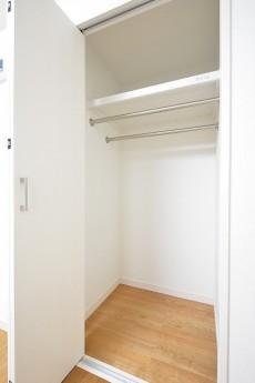 ニューウェルハイツ高輪 4.0帖洋室のクローゼット