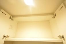 ニューウェルハイツ高輪 トイレ吊戸棚