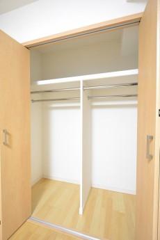 ニューウェルハイツ高輪 約5.1帖洋室のクローゼット