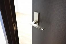 アルカサル世田谷上町 6.0帖洋室ドア
