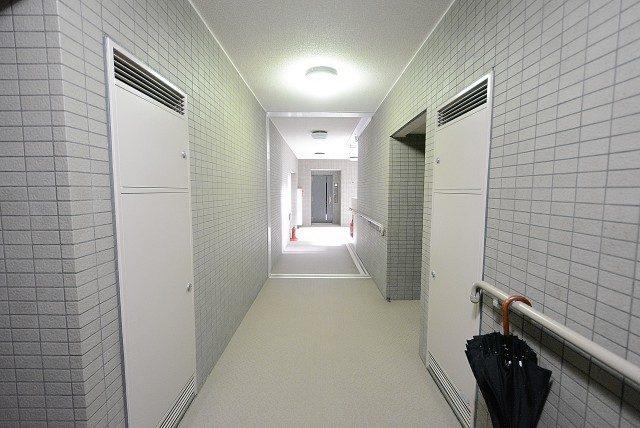 上野毛南パークホームズ 廊下