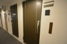バルミー赤坂421 扉