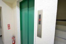中銀南青山マンシオン202 エレベーター