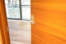 GSハイム南青山 7.5帖洋室ドア