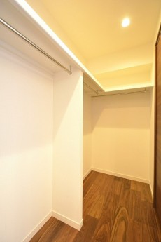 GSハイム南青山 8.5帖洋室のWIC