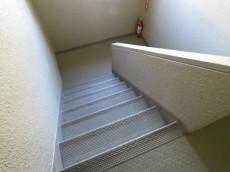 ニックハイム尾山台 共用階段