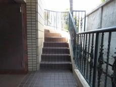 プレール都立大 共用階段